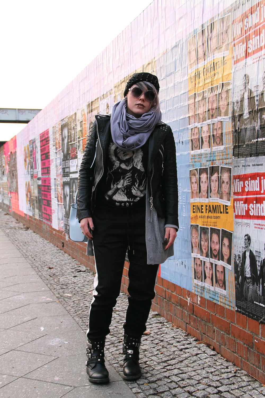 jogpants, jogginghose, blockstreifen, h&m, bdg, urban outfitters, silbergrau, sonnenbrille, six, beanie, nieten, studs, spikes, wir sind die toten, wsdt, freaky nation, lederjacke, bikerjacke, leder, biker, bikerboots, botts, sacha, street super shoes, asos, river island, handtasche, jetset, american apparel, circle scarf, slate, outfit, fashion, blogger, limecrime, cashmere, venus palette, piercings, alternative, altfashion, grey hair, punk, grunge, berlin, street style, knit, strick, cardigan