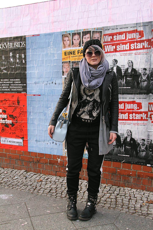 jogpants, jogginghose, blockstreifen, h&m, bdg, urban outfitters, silbergrau, sonnenbrille, six, beanie, nieten, studs, spikes, wir sind die toten, wsdt, freaky nation, lederjacke, bikerjacke, leder, biker, bikerboots, botts, sacha, street super shoes, asos, river island, handtasche, jetset, american apparel, circle scarf, slate, outfit, fashion, blogger, limecrime, cashmere, venus palette, piercings, alternative, altfashion, grey hair, punk, grunge, berlin, street style, knit, strick, cardigan, comfy, comfortable, castle, schloss, ring