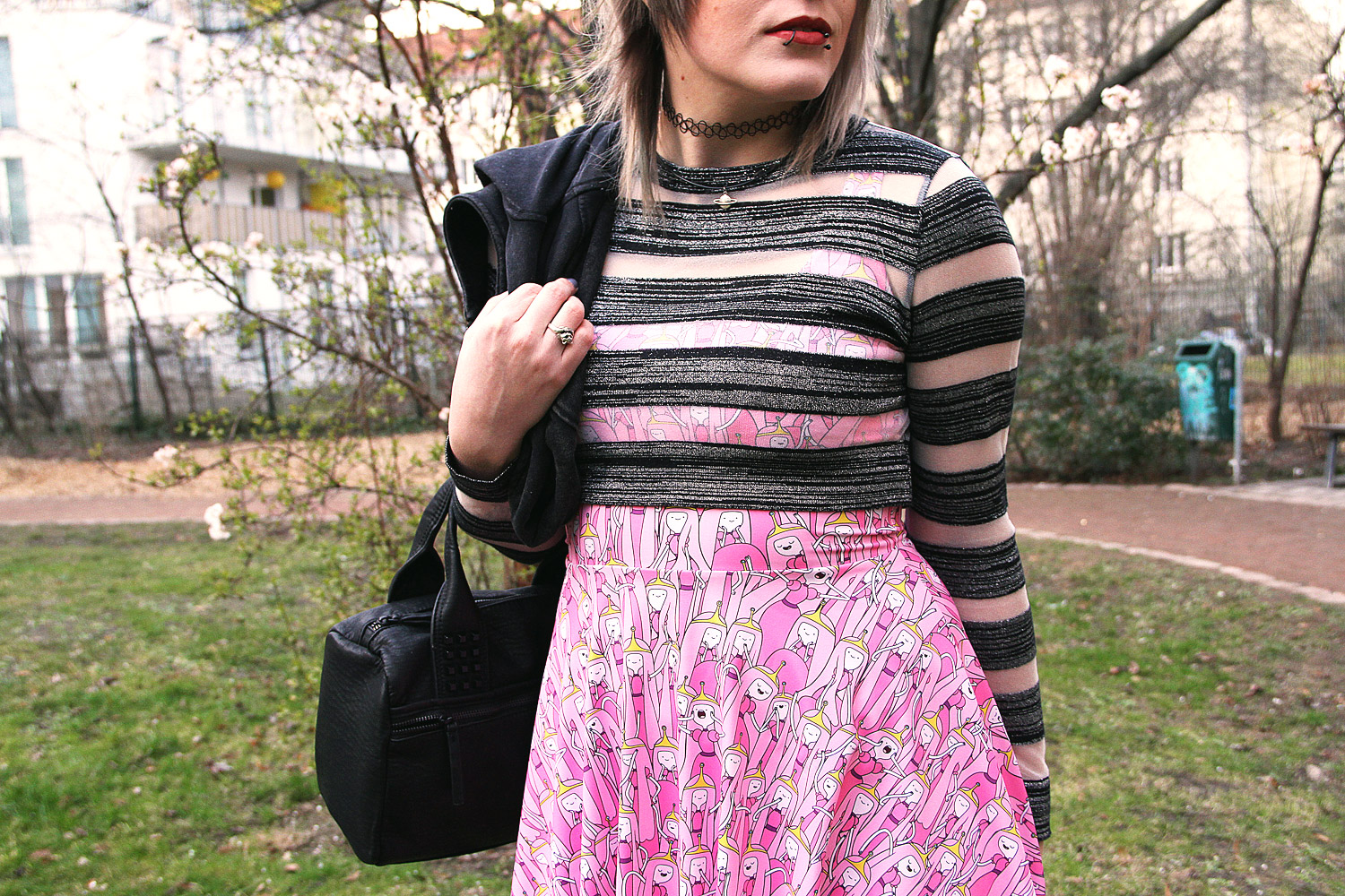 kirschblüte, princess bubblegum, black milk, black milk clothing, stripes, streifen, topshop, zara, nieten, h&m, used, ripped, c&A, jeans, skinny jeans, röhrenjeans, röhre, punk, pink, girly, skaterkleid, skater, skater dress, adventure time, snakebites, limecrime riot, tattoohalsband, planet, kette, cardigan, sweatjacke, divided, divided grey, edgy, kühl, cool, grey hair, graue haare, silber haare, silver hair, glitter, glitzer, unif, creepers, spikes, grim creeper