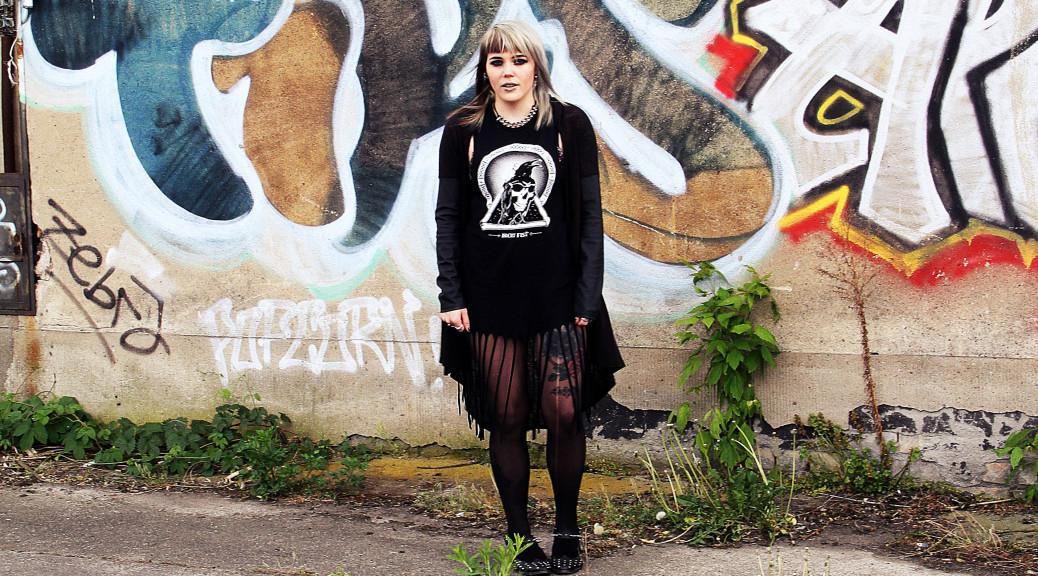 alternative, alternative fashion, alternative girl, alternative mode, altgirl, berlin, berlin fashion, berlin fashion blogger, berlin mode, berlin streetstyle, blogger, fashion blogger, girls with piercings, girls with tattoos, grunge, grunge fashion, grunge mode, mode, Punk, punk fashion, punk mode, punkgirl, scenehair, snakebites, split hair, splithair, tattoo model, fransen, krähe, iron fist, nieten, spikes, kunstleder, transparenz, leichter strick, asos, schuhe, cardigan, kleid, sommer, la splash, lime crime, lime crime venus 2, lime crime, make up