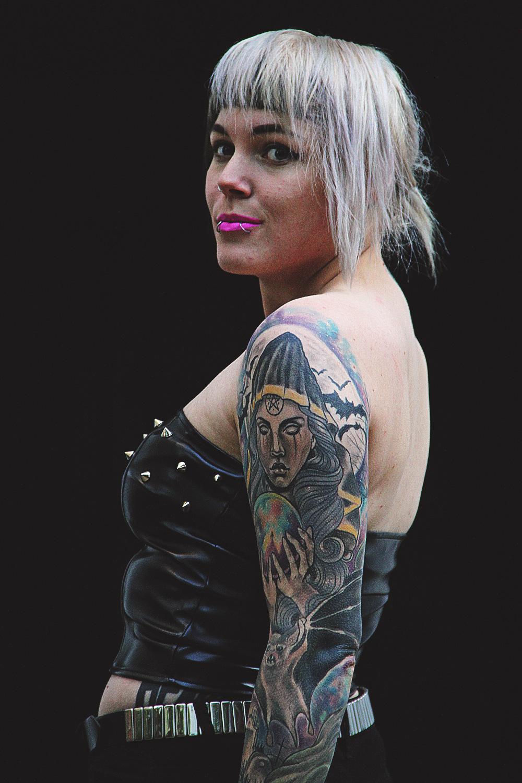 alternative, alternative fashion, alternative girl, alternative mode, altgirl, berlin, berlin fashion, berlin fashion blogger, berlin mode, berlin streetstyle, blogger, fashion blogger, girls with piercings, girls with tattoos, grunge, grunge fashion, grunge mode, mode, Punk, punk fashion, punk mode, punkgirl, punkmädchen, scenehair, snakebites, split hair, splithair, tattoomädchen, tattoo model, zugeschnürt, chili rose, leader, kunstleder, nieten, diy, jeans, primary, röhrenjeans, used, zerrissen, destroyed, fuchs, socken, creepers, underground, scheme, silber, echtsiblber, chris silver, nina hastens, rosa, herz, gothic, sexy, jeffreye star, droptop, gürtel, silber,asos