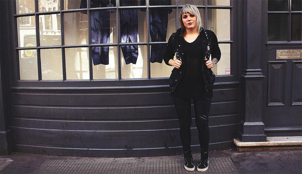 London, leo, leopardenmuster, animal print, disturbia, rucksack, H&M, jeansjacke, pins, pin game, latex , leggings, latex leggings, vans, mind, moon, transparent, alternative, alternative fashion, alternative girl, alternative mode, altgirl, berlin, berlin fashion, berlin fashion blogger, berlin mode, berlin streetstyle, blogger, fashion blogger, girls with piercings, girls with tattoos, grunge, grunge fashion, grunge mode, mode, Punk, punk fashion, punk mode, punkgirl, punkmädchen, scenehair, snakebites, split hair, splithair, tattoomädchen, tattoomodel