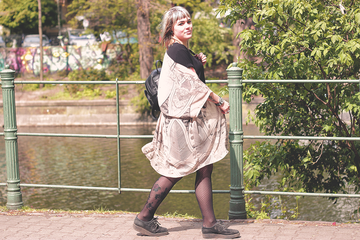 pusheen, crazy cat lady, katzenmädchen, nude, h&m, cardigan, chiffon, kleid, strumpfhose, simmer, katze, rucksack, katzenrucksack, miau, creepers, underground, boho, divided, alternative, alternative fashion, alternative girl, alternative mode, altgirl, berlin, berlin fashion, berlin fashion blogger, berlin mode, berlin streetstyle, blogger, fashion blogger, girls with piercings, girls with tattoos, grunge, grunge fashion, grunge mode, mode, Punk, punk fashion, punk mode, punkgirl, punkmädchen, scenehair, snakebites, split hair, splithair, tattoomädchen, tattoomodel
