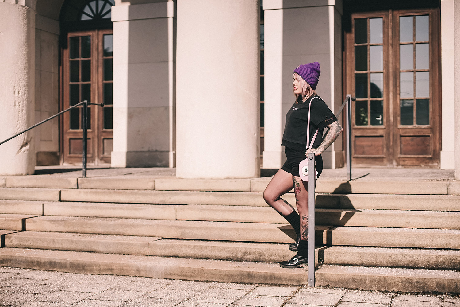 vvitch, witch, Disturbia, beanie, larakingdraws, Lara king, Lila, rosa haare, all black, shorts, boots, spitze, Fujifilm, instax, hello kitty, instant camera, sofortbildkamera, polaroid, crop top, alternative, alternative fashion, alternative girl, alternative mode, altgirl, berlin, berlin fashion, berlin fashion blogger, berlin mode, berlin streetstyle, blogger, fashion blogger, girls with piercings, girls with tattoos, grunge, grunge fashion, grunge mode, mode, Punk, punk fashion, punk mode, punkgirl, punkmädchen, scenehair, snakebites, split hair, splithair, tattoomädchen, tattoomodel