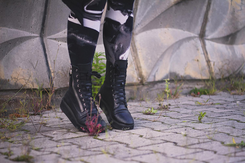 Katzenohren, mond, kilostar, luna hoodie, Stockholm syndrome cardigan, cardigan, strick, leggings, H&M, divided, unif, trench boot, boots alternative, alternative fashion, alternative girl, alternative mode, altgirl, berlin, berlin fashion, berlin fashion blogger, berlin mode, berlin streetstyle, blogger, fashion blogger, girls with piercings, girls with tattoos, grunge, grunge fashion, grunge mode, mode, Punk, punk fashion, punk mode, punkgirl, punkmädchen, scenehair, snakebites, split hair, splithair, tattoomädchen, tattoomodel